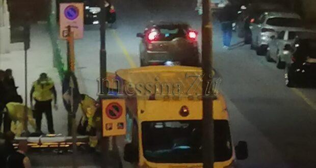 Messina, incidente in centro: ferito trasportato in barella