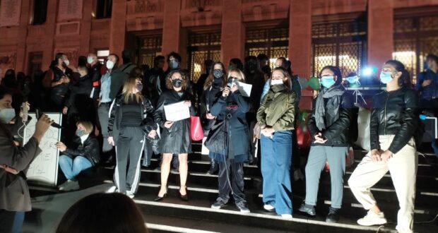 Grande successo della manifestazione #alziamolatesta, i ristoratori: domani locali aperti al pubblico anche dopo le 18