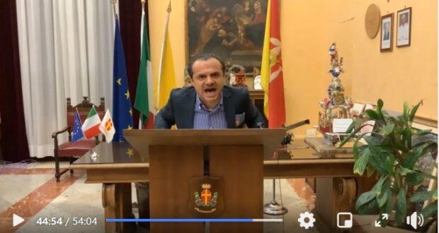 Cateno De Luca contro Nello Musumeci: sei tu che ti sei dimostrato un fake!