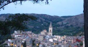 Insegnante positiva al Covid: chiude scuola a Novara di Sicilia