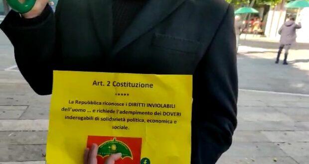 #sottolostessoombrello secondo flashmob a piazza Cairoli (video)