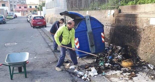 """isamupubbirazzu"" pulisce Messina: ""Basta munnizza"""