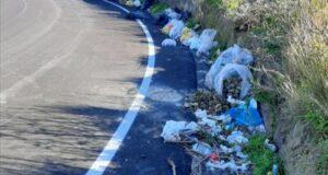 """Strada Provinciale Tono-Faro Superiore, Biancuzzo: """"Discarica a cielo aperto"""""""