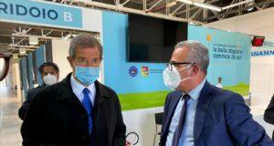 Covid, Musumeci in visita all'Hub vaccini Messina. Domani si parte
