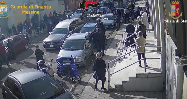 Il video del funerale del fratello dell'ex boss Sparacio. Qualcuno ora deve chiedere scusa al sindaco e a Messina