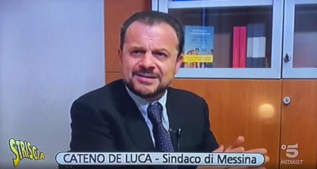 """Striscia la notizia al fianco di Cateno De Luca: """"Musumeci ti prendo, politicamente, a calci in culo!"""""""