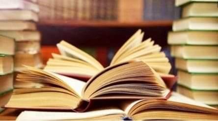 Saponara: benefattrice consegna libri e dizionari alla Biblioteca Comunale