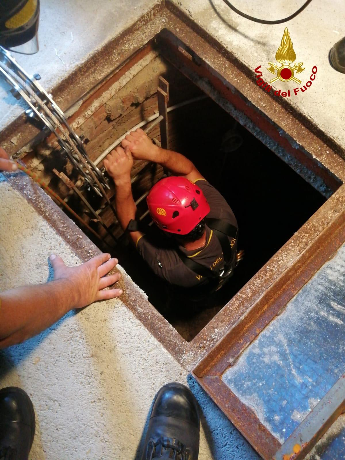 Itala: cade in un pozzo di 12 metri, salvato dai vigili del fuoco