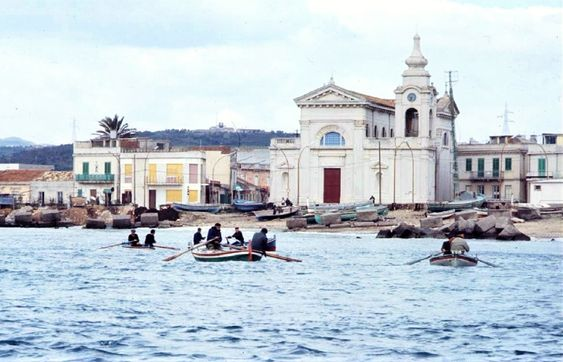 Isola pedonale di Torre Faro, il M5s: «Ignorate tutte le nostre proposte. Da parte della Giunta mancanza di programmazione e pressapochismo»