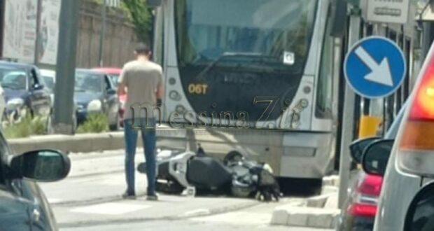 Incidente a Messina, scooter contro auto: perde la vita un 20enne