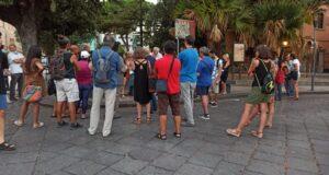 No al Green Pass, la manifestazione a piazza Duomo e le interviste a ristoratori e passanti (Foto e Video)