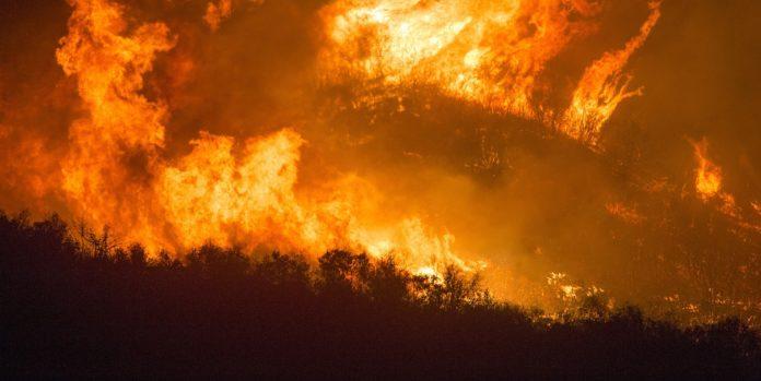 Estate infuocata: continuano gli incendi nei dintorni di Giardini Naxos