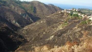 Rometta: ancora fiamme sulle colline messinesi