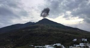 Stromboli: un'esplosione spaventa abitanti e turisti