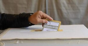 Elezioni 2021: bassa affluenza rispetto agli anni precedenti, nessun ballottaggio in vista